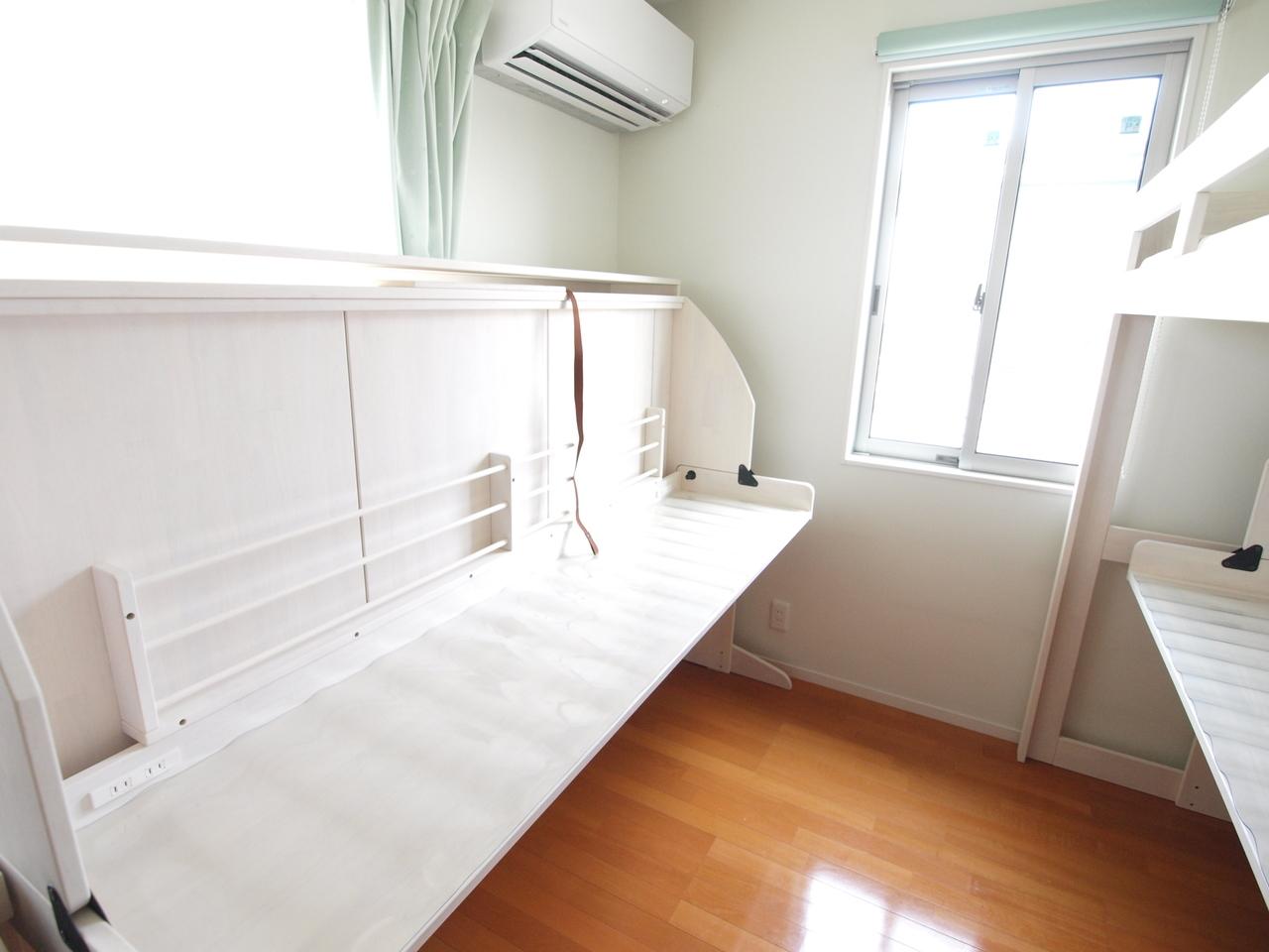 六畳部屋に姉妹三人机とベッドどうする リノキッズ二段ベッド