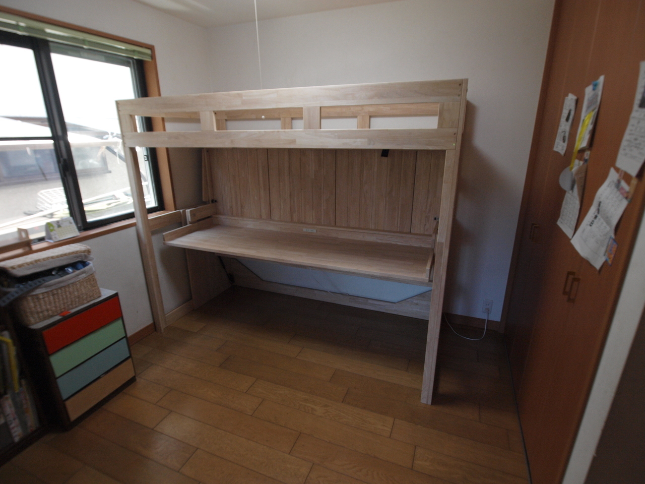 六畳に兄弟二人分の机とベッド?   【リノキッズ】二段ベッド・ロフト